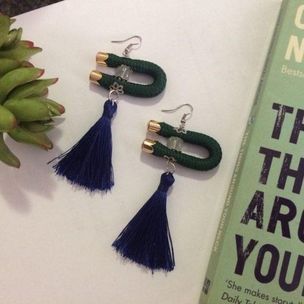 earrings-black-tassels-green-gold-literature-hook